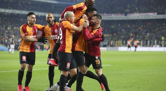 Galatasaray 21 sezon sonra Kadıköy'de kazandı